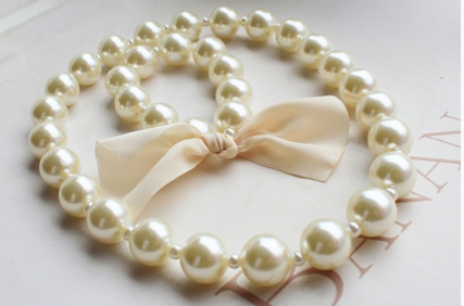 Girls Pearl Necklace and Bracelet Set
