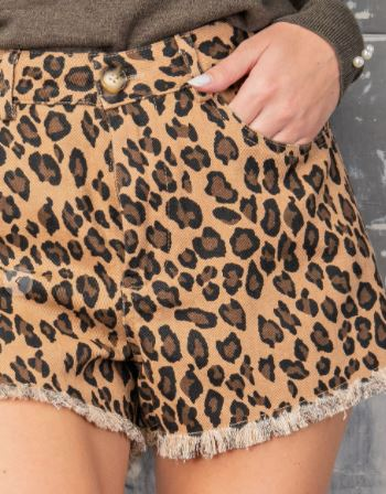 Fall for you leopard shorts