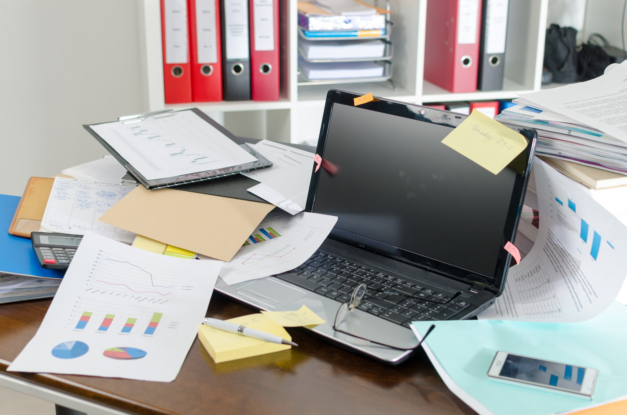 Clutter Free Workspace for Increased Productivity