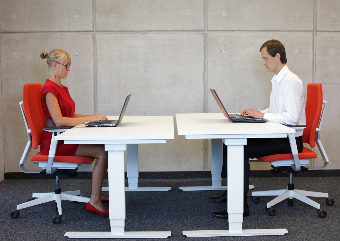 What Every Team Manager Should Know About Ergonomic Desks