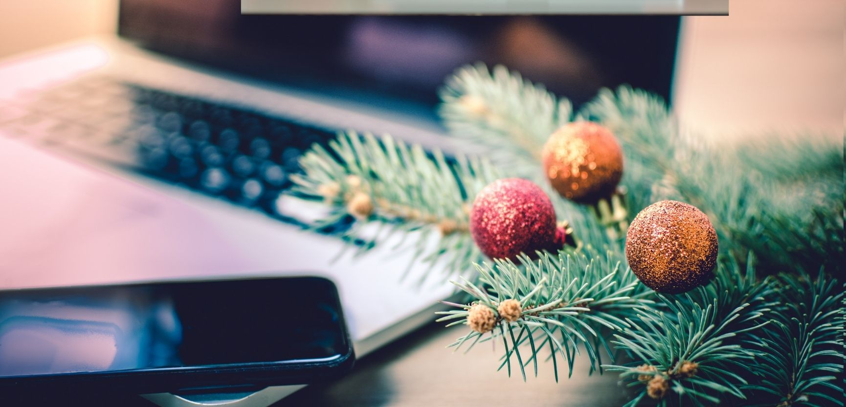 10 Ideas to Make Your Workspace More Festive