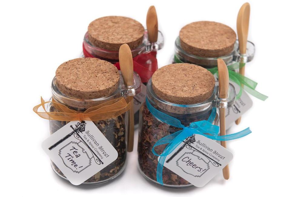 Organic loose leaf tea gift jars