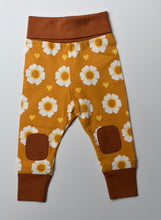 Load image into Gallery viewer, Moromini Organic 70's Flower Baby Pants