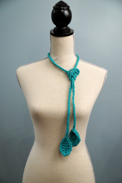 Petite Vines with Leaves Lariats - blue