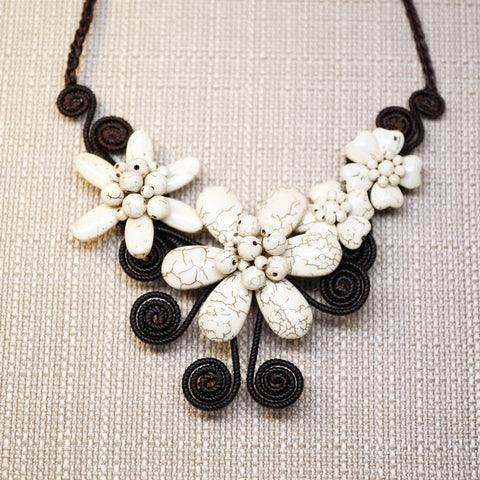 Color stones summer flowers necklace - White