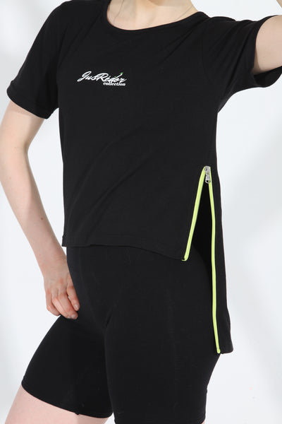 Close up of JusRedor Bamboo Athleisure Premium Tee radiant zip