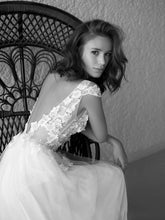Load image into Gallery viewer, [ Joanna ] A-line Tulle Appliques Wedding Dress Custom Made
