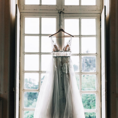[ Vivian ] Vintage V Neck Natural Wedding Dress Tulle Dress