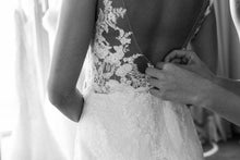Load image into Gallery viewer, [ Bblythe ] Vintage Lace Appliqués Wedding Dress Custom Made
