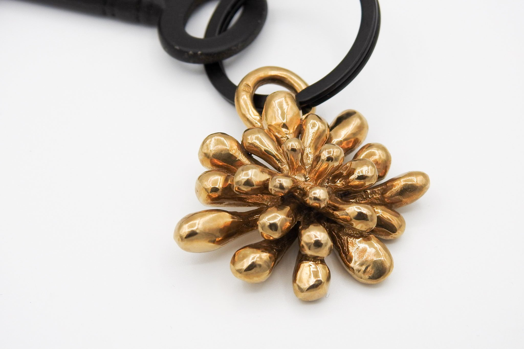 Drop Leaf Flower Keychain