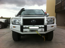 Load image into Gallery viewer, DOBINSONS 4×4 CLASSIC BLACK BULLBAR FOR TOYOTA LAND CRUISER 200 SERIES 2012 TO MID 2016