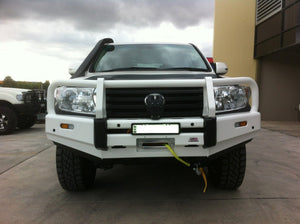 DOBINSONS 4×4 CLASSIC BLACK BULLBAR FOR TOYOTA LAND CRUISER 200 SERIES 2012 TO MID 2016