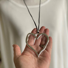 Load image into Gallery viewer, Heart necklace