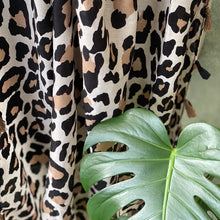 Load image into Gallery viewer, Leopard scarves
