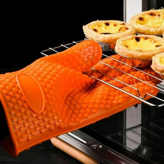Microwave Insulated Heat Resistant Silicone Gloves