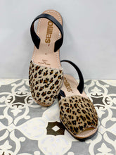 Load image into Gallery viewer, Leopard Print Solillas Sandals - Size 8