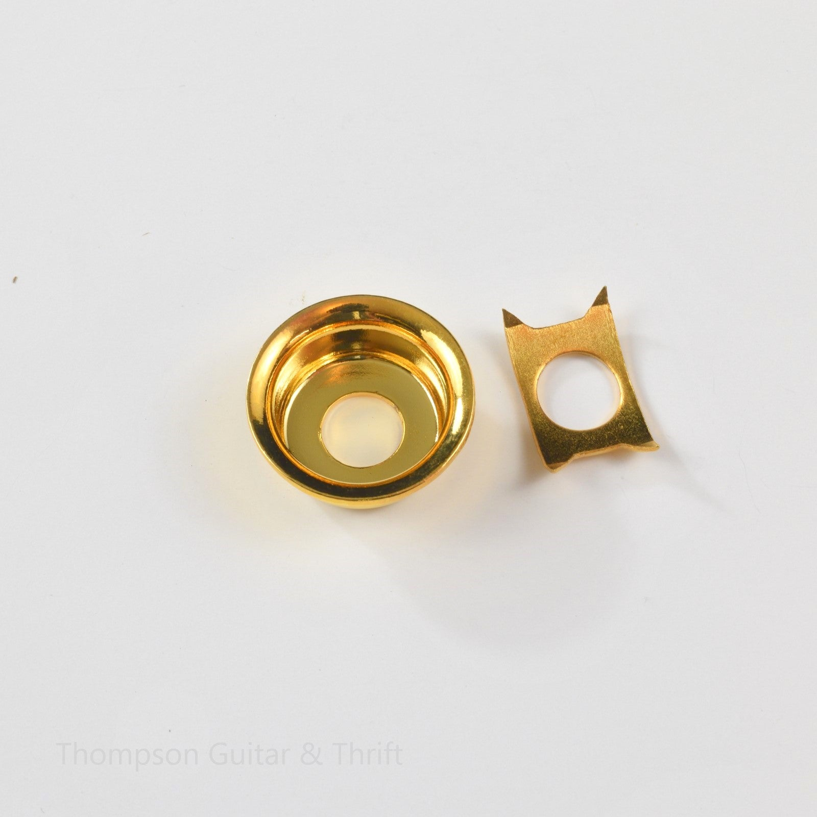 Gold Tele Style Round Cup Jack Plate w/Retainer Clip