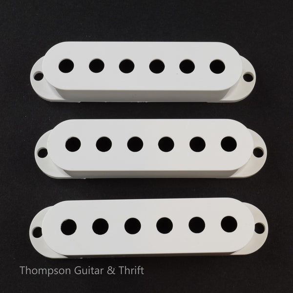Set of 3 Single Coil Pickup Cover in Black, White, Aged White and Parchment