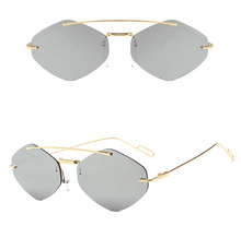 Load image into Gallery viewer, Kassy Square Grey Sunglasses Fashion  Shade Amkaysha