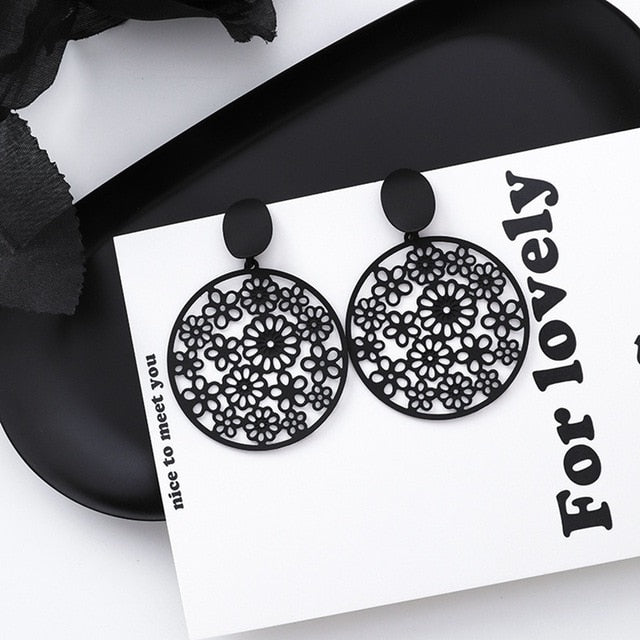 Fashion Black Flower Geometric Stud Eearrings For Women Exaggerate Circle Holiday Sweet Pendientes Gifts