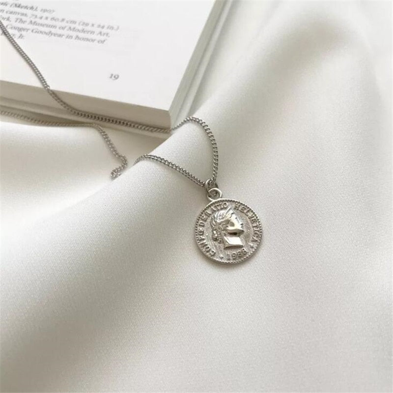 New Creative Personality Queen Avatar 925 Sterling Silver Jewelry Dollar Coin Round Beautiful Pendant Necklaces