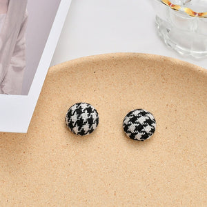 Autumn Winter The New Retro Plush Button Heart Leopard Print Geometric Stud Earrings for Women Girl Fashion Jewelry Accessories