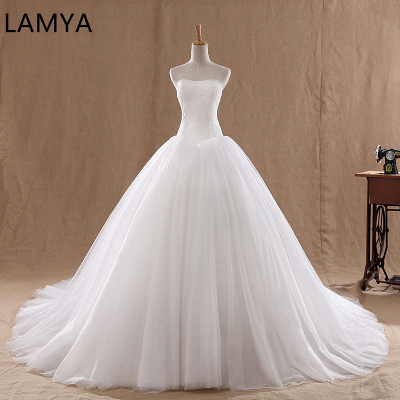Court Train Wedding Dress 2019 Cheap Celebrity Strapless Vintage Tulle Bridal Ball Gown Organza Lace bridal dresses