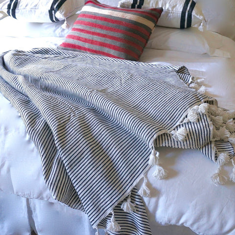 KESH THIN STRIPE THROW/BED COVER