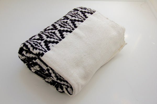 JACQUARD THROW