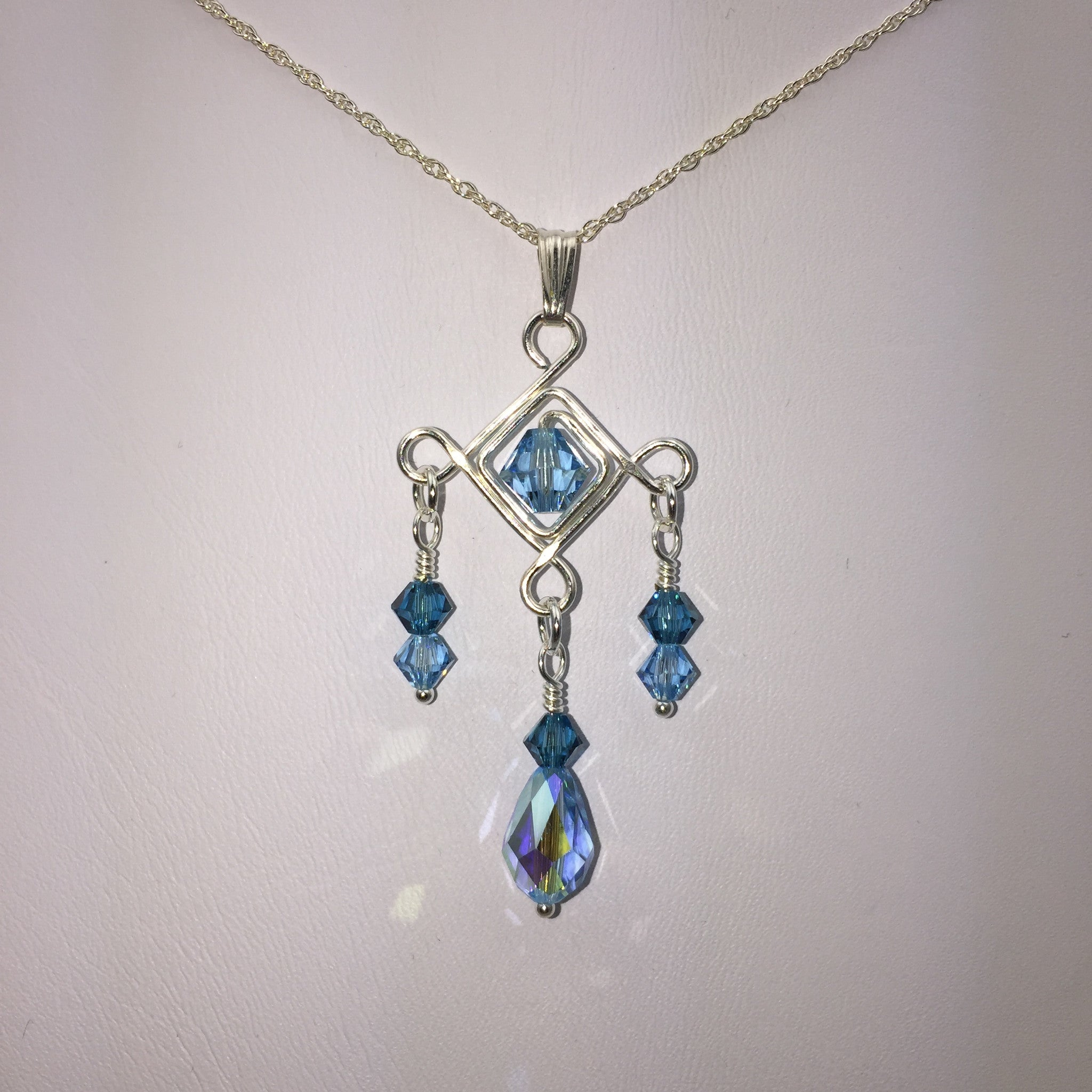 Teardrop Diamonds Necklace