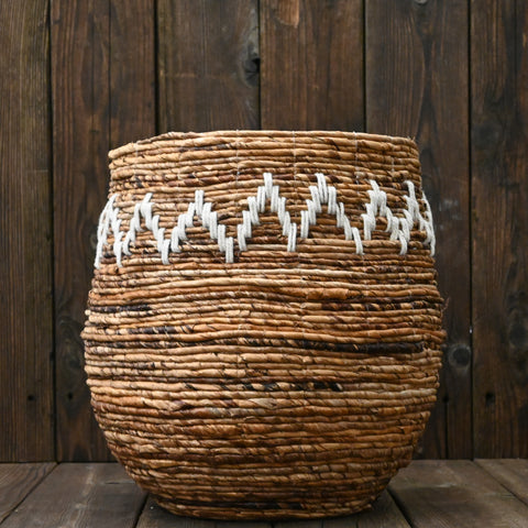 Thelma Banana Leaf Basket in Brown/Cream