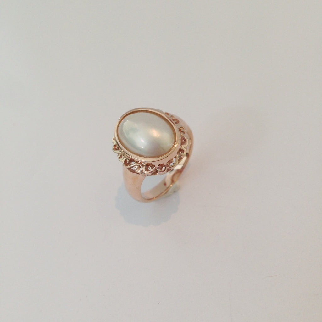 Pearl Ring with Rosegold Accents
