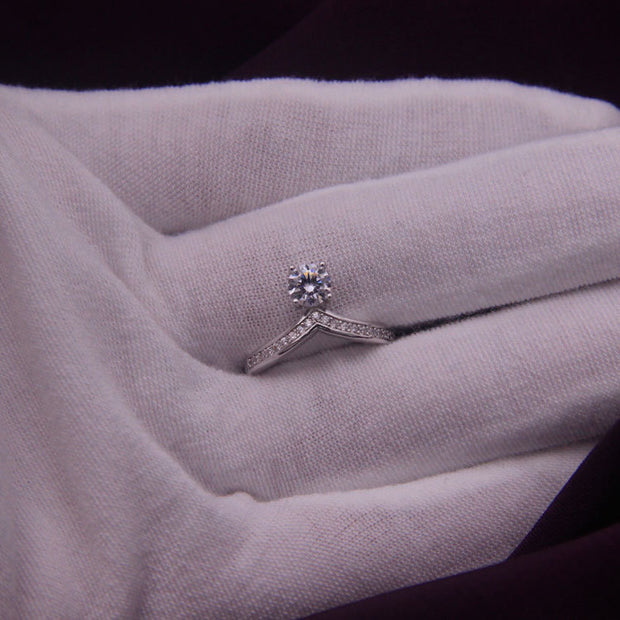 Silver in diamond Korean fashion V wedding ring