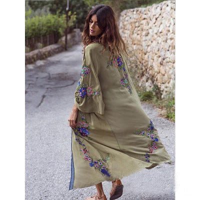 2019 Europe and the United States new women's heavy industry embroidery flower army green kimono bohemian cardigan dress 342