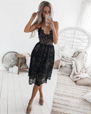 Backless Strappy Lace Halter Dress