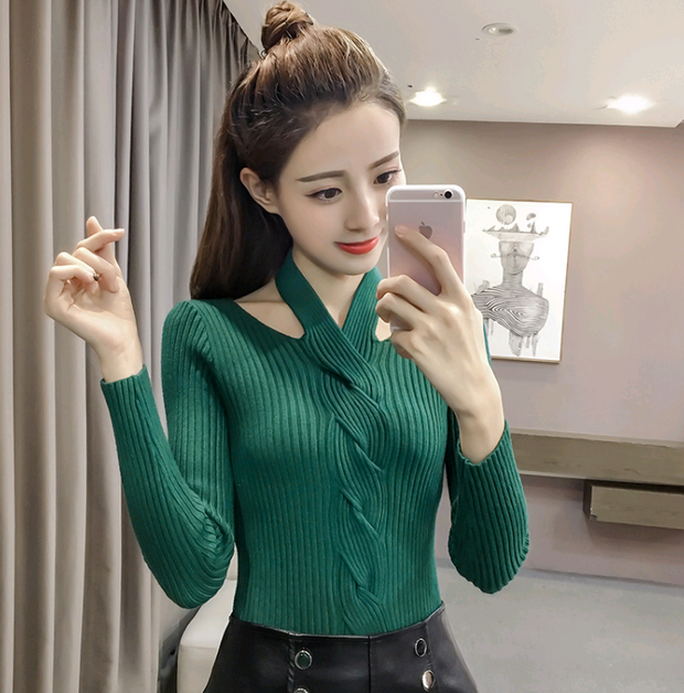 Long-sleeved hanging neck sexy knitted Sweater