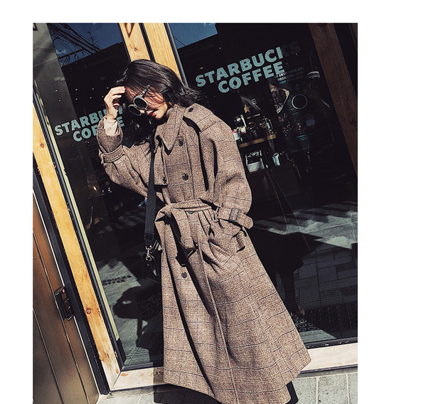 Plaid woolen coat female long section Korean version 2018 autumn and winter new popular retro loose over the knee woolen coat