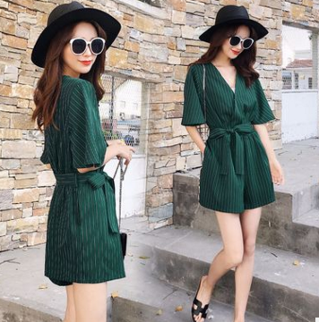 Siamese female summer 2018 new Korean high waist temperament Slim thin V-neck short-sleeved striped shorts student tide