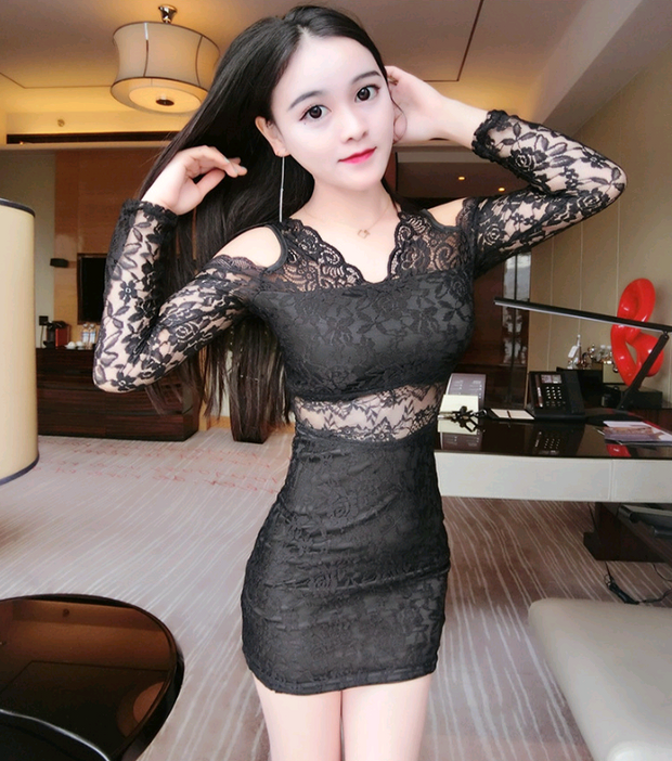 Nightclub sexy skirt 2018 spring and summer new V-neck hollow Slim long-sleeved tight lace dress