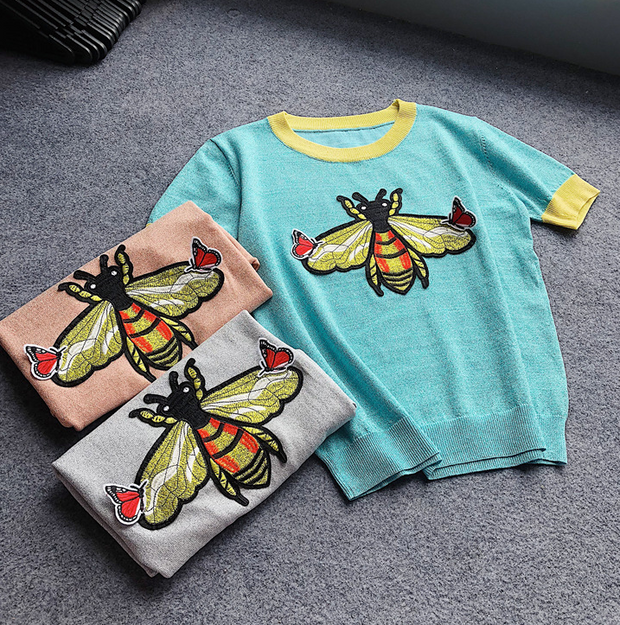 Bright silk embroidered bumblebee round neck short-sleeved T-shirt