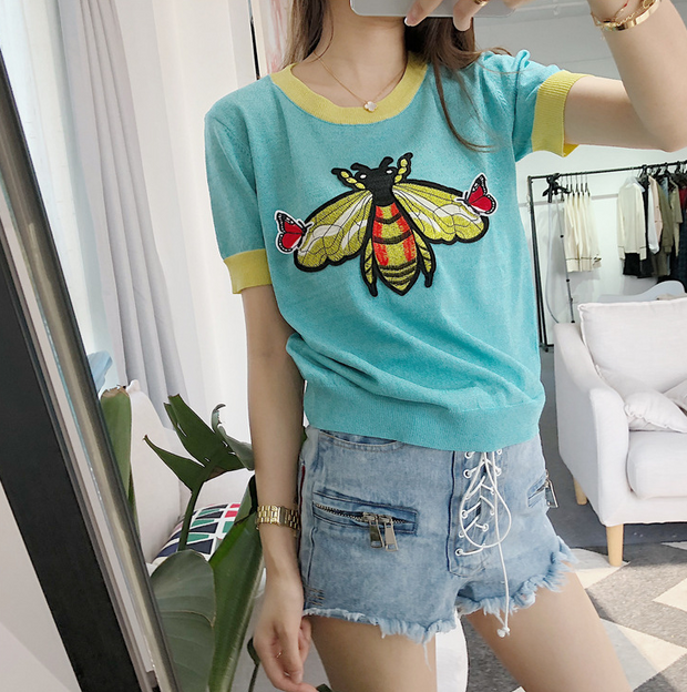 Bumblebee Embroidered O-neck Knitted T-shirt