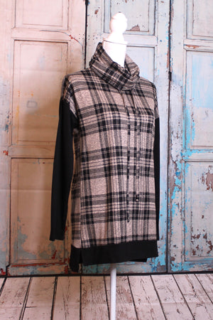 'Cowl Neck' Plaid Sweatshirt in Oatmeal