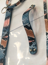 Load image into Gallery viewer, Snake Skin Keychain Wallet!