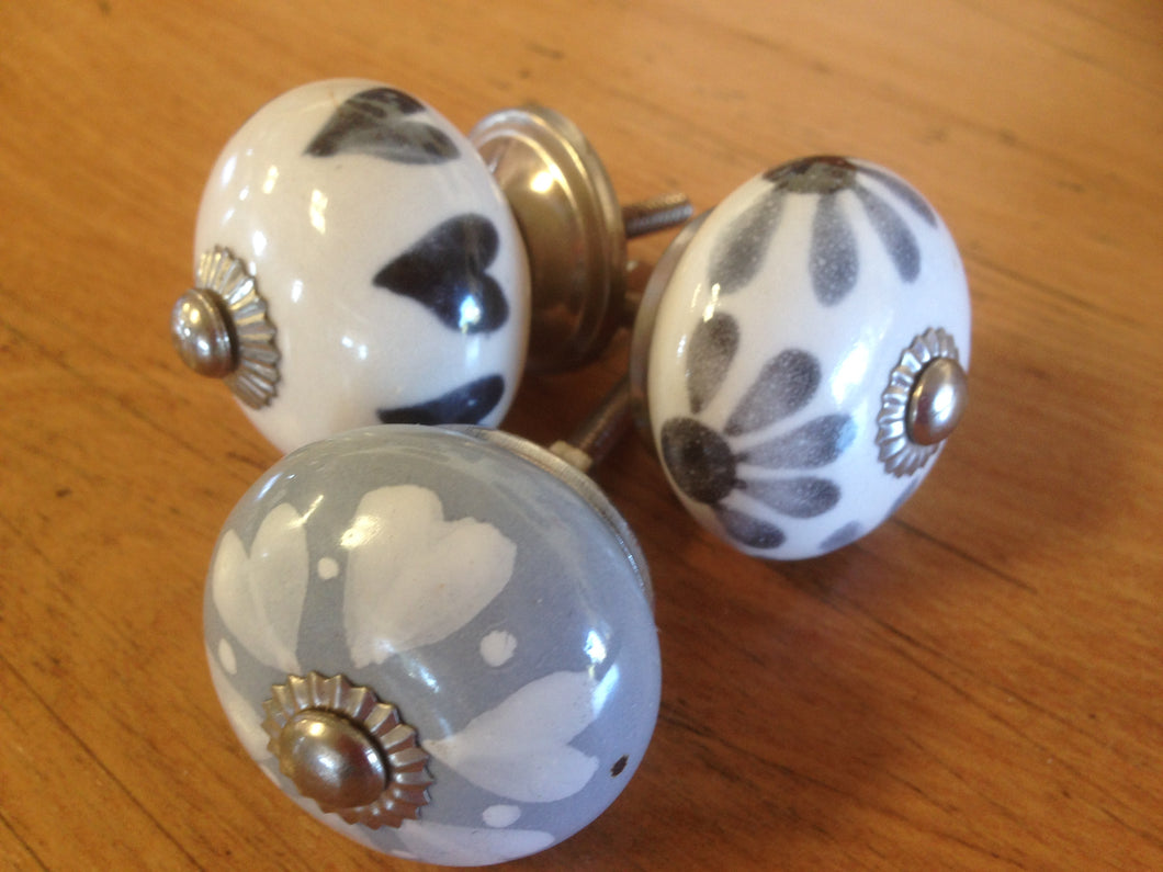 Ceramic Door Knobs (Mixed - Grey & White - Each)