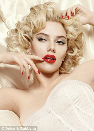 Scarlett Johansson sultry pinup look