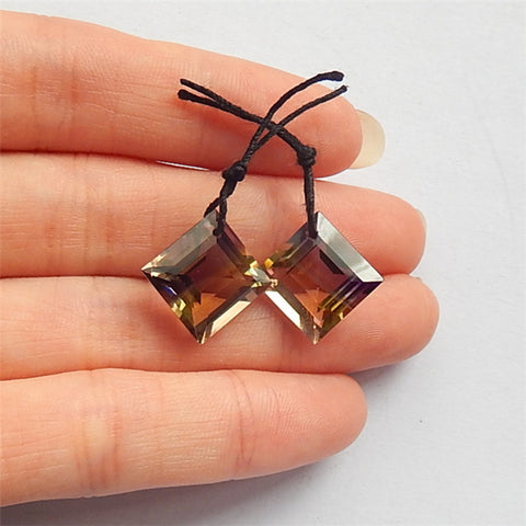 Square earrings stone