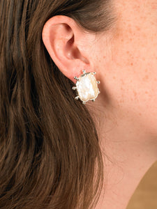 Sola Match Earrings - White Gold/White - Pair