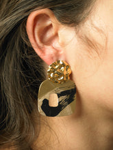 Load image into Gallery viewer, Uneva Earrings - gold/Interference - Pair