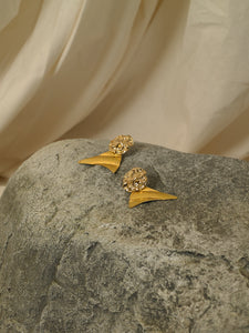 Arola Earrings - Gold - Pair
