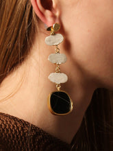 Load image into Gallery viewer, Eolian Earring (Reversible style) - White / Gold - Pair